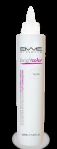 Dona una forte brillantezza e condiziona il capello rendendolo morbido, elastico e lucido.