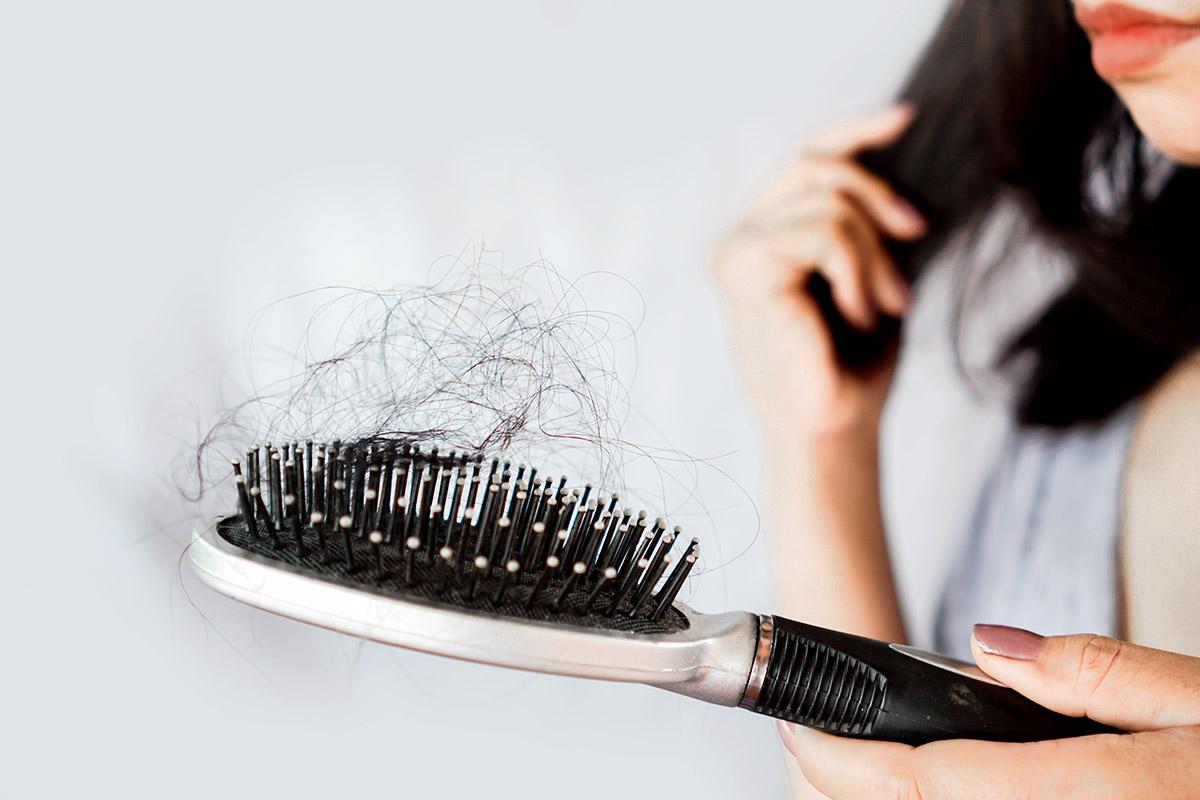 La caduta dei capelli è un problema che, se affrontato in tempo e nel corretto modo, può essere nella maggior parte dei casi risolto facilmente